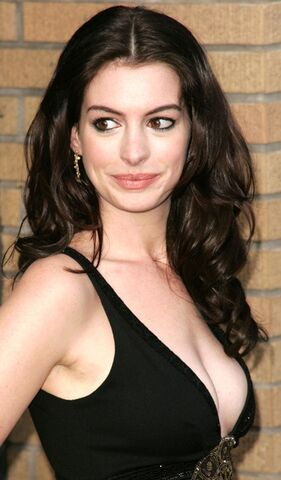 File:Anne hathaway-the dark knight rises.jpg