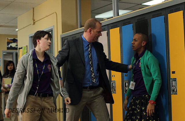 File:Degrassi-episode-1107-06.jpg