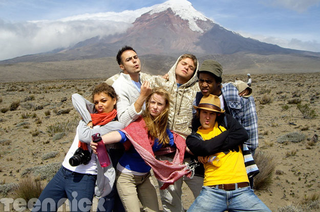 File:Degrassi-in-ecuador-group.jpg