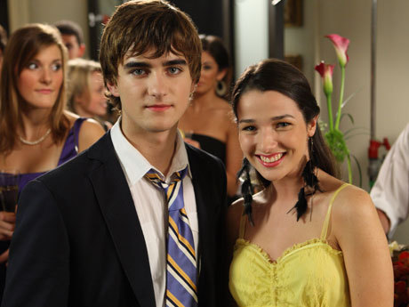 File:Fiona-and-Declan-degrassi-8621463-460-345.jpg