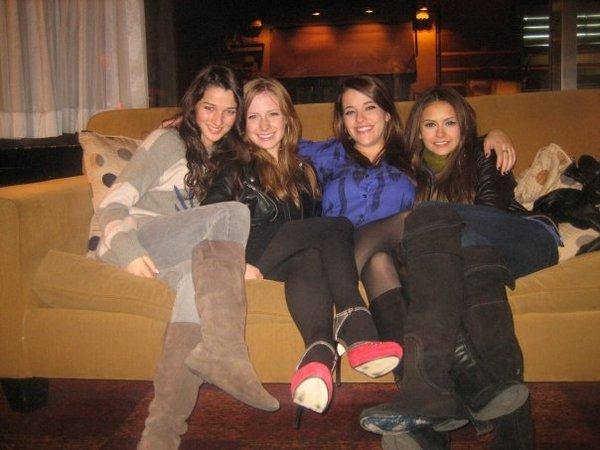 File:Annie, charlotte, paula and nina.jpg