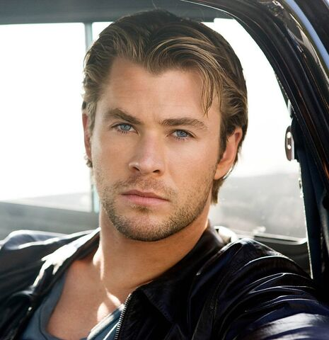 File:Chris-Hemsworth.jpg
