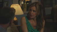 8x21 - Lynette breaks up with Gregg