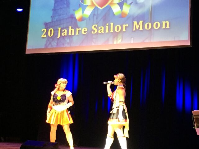Datei:Connichi Sailor Moon 1.JPG