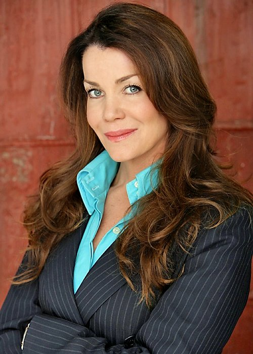 claudia christian height