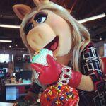 Instagram-MissPiggy-Buzzfeed02-(2014)