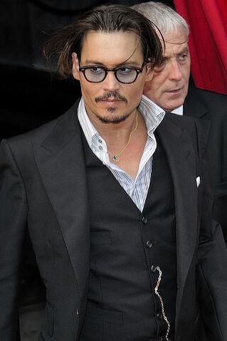 File:Johnny Depp et Marion Cotillard pour l'avant première de Public Enemies.jpg