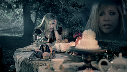 Avril lavigne alice tea party