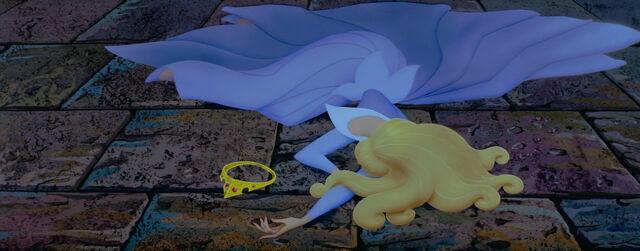 File:Sleeping-disneyscreencaps.com-5004.jpg