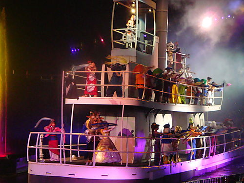 File:Steamboat Willie in Fantasmic.jpg