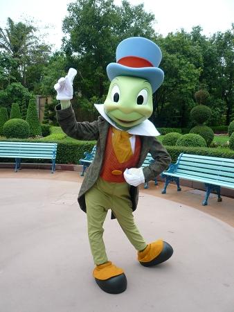 File:Jiminy Cricket HKDL.jpg