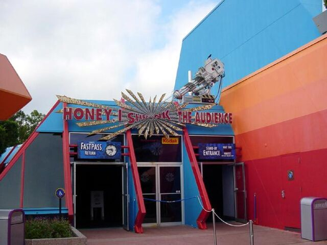 File:Honey, I Shrunk the Audience at Epcot.jpg