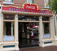 Refreshment-Corner-in-Disneyland-Main-St