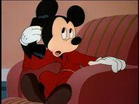 MickeyAnswerPhone