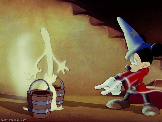 File:Fantasia-disneyscreencaps com-2039.jpg