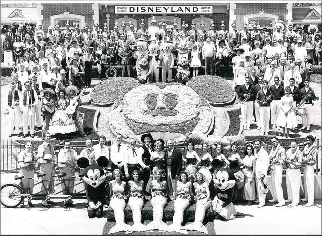 File:Disneyland59.jpg