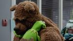 TheMuppets-S01E08-BearHug