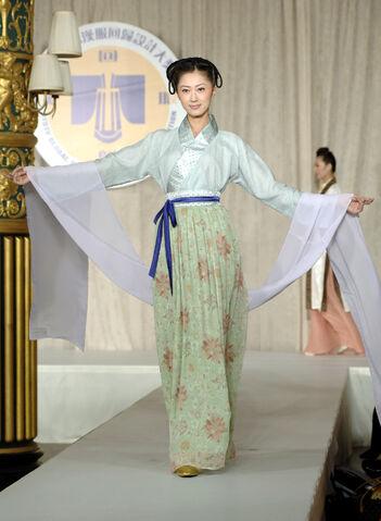 File:Hanfu-03.jpg