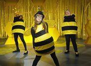 The-bee-sketch-so-random-17424196-640-461