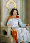 Queenlucysmall