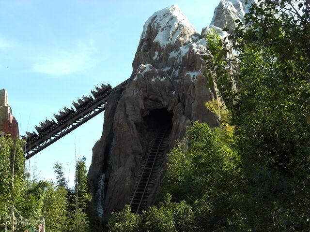 File:Expedition Everest Disney.jpg