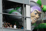 Buzz-Art-balloon-Macys
