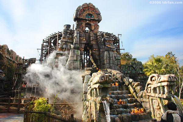 File:Raging Spirits at Tokyo DisneySea.jpg
