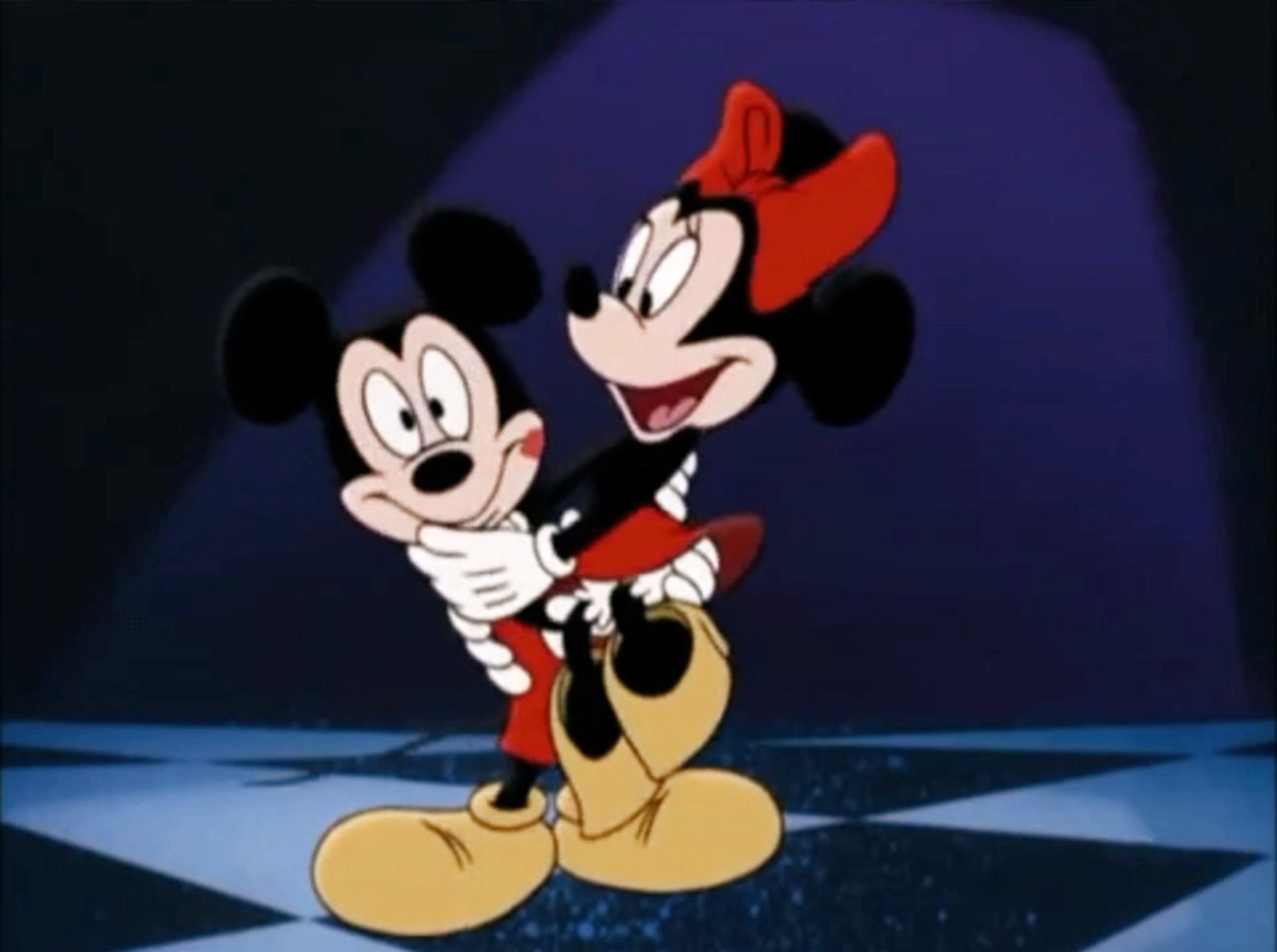 File:Mickey saving Minnie's life.jpg