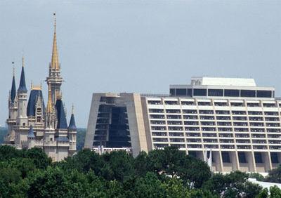 File:Disney-Contemporary-Resort-738915.jpg