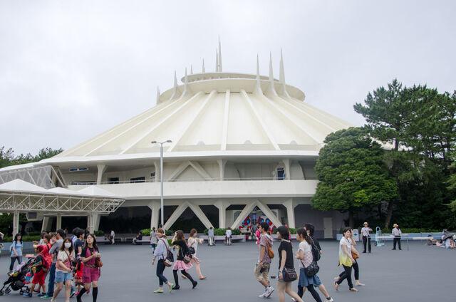 File:Space Mountain at Tokyo Disneyland.jpg