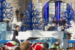2015 Disney Parks Unforgettable Christmas Celebration 03