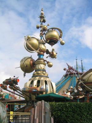File:Orbitron of Disneyland Paris.jpg