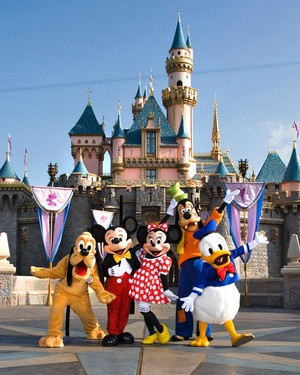 File:Resized Disneyland Resort Castle and Characters.jpg