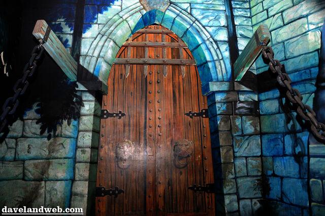 File:Castledoors.jpg