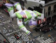 Buzz-Balloon-Macys-Thanksgiving