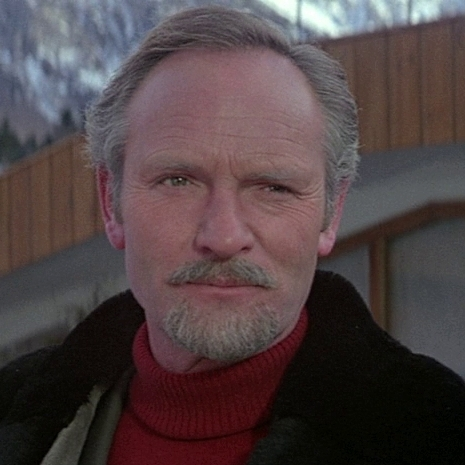 julian glover height