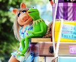 Disney'sHonoraryVoluntEarsCavalcade-KermitCollar