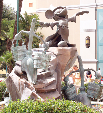 File:MickeyFantasiaFountain.jpg