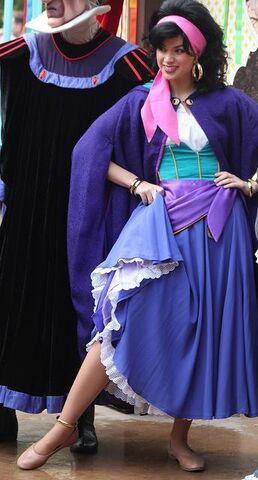 File:Esmeralda Disneyland.jpg