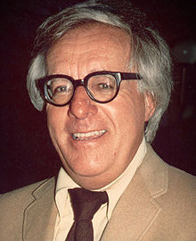 File:220px-Ray Bradbury (1975) -cropped-.jpg