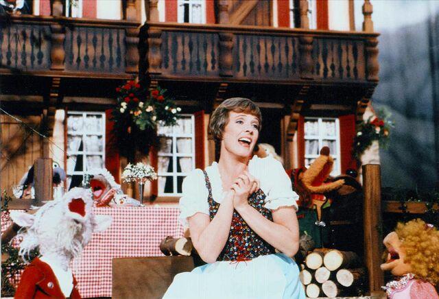 File:Julie Andrews02.jpg