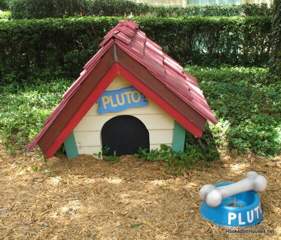 File:Plutos-Dog-House1-611x522.jpg