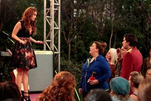 Jessie-foils-fall-love-stills-12
