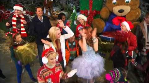 The Good Luck JESSIE NYC Christmas Cross-Over Event Premieres Friday, November 29 at 8p 7c!