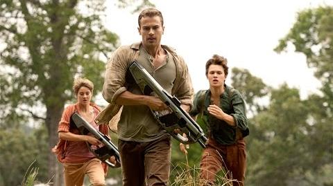 Exclusive INSURGENT Clip Tris and Four Seek Refuge in Amity