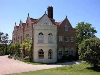 File:Downton Abbey Downton Place at Eryholme.jpg