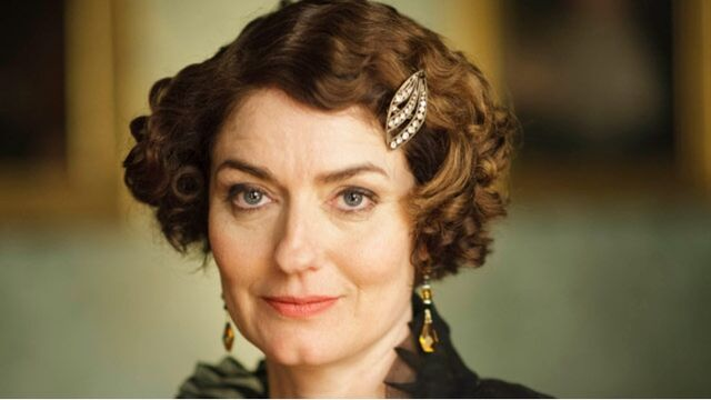 File:307972-downton-abbey-anna-chancellor-as-lady-anstruther.jpg