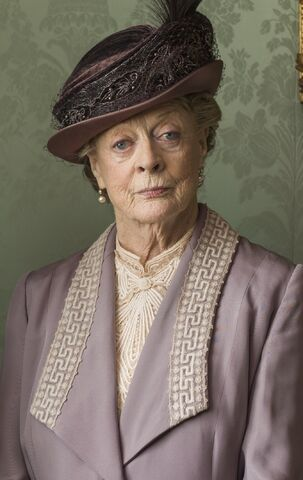 File:Violet crawley.jpg