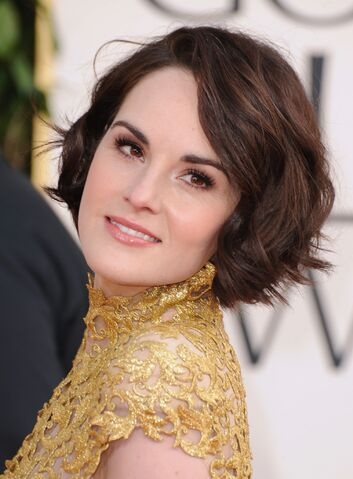 File:Michelle Dockery gold dress short hair.jpg