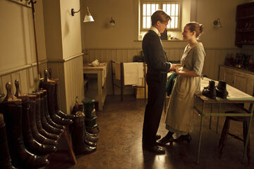 Embargoed to 7th october downton ep4 11
